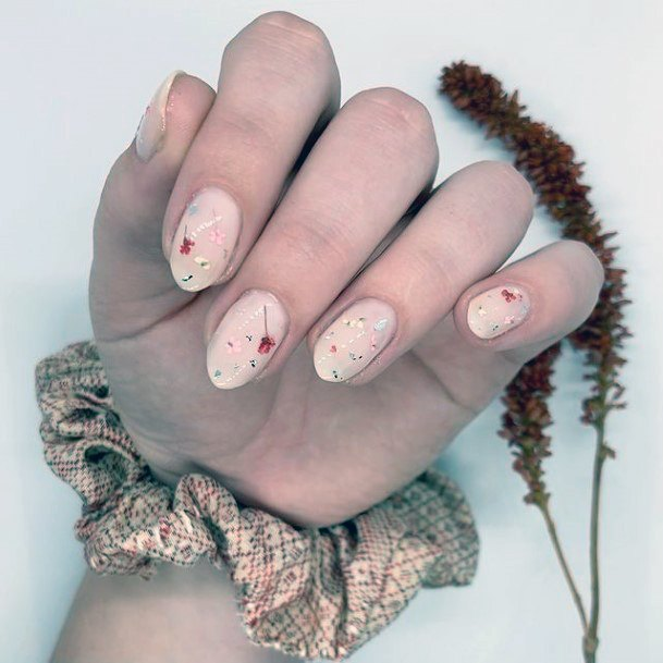 Womens Amazing Romantic Nails