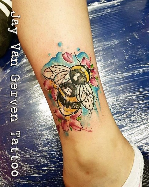 Womens Ankle Vivid Bee Tattoo