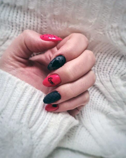 Womens Black And Red Romantic Nails