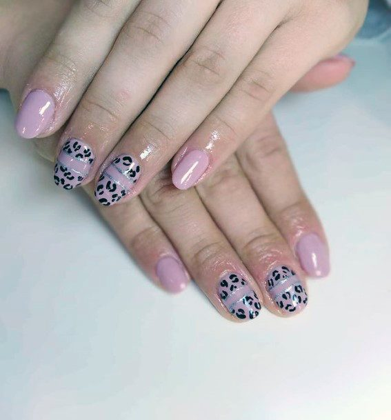 Womens Coral Nails With Leopard Print Art