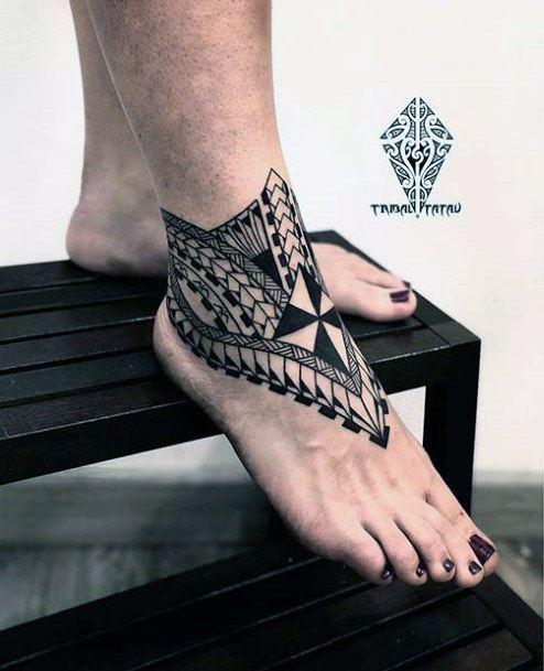 Womens Feet Amazing Tribal Tattoo