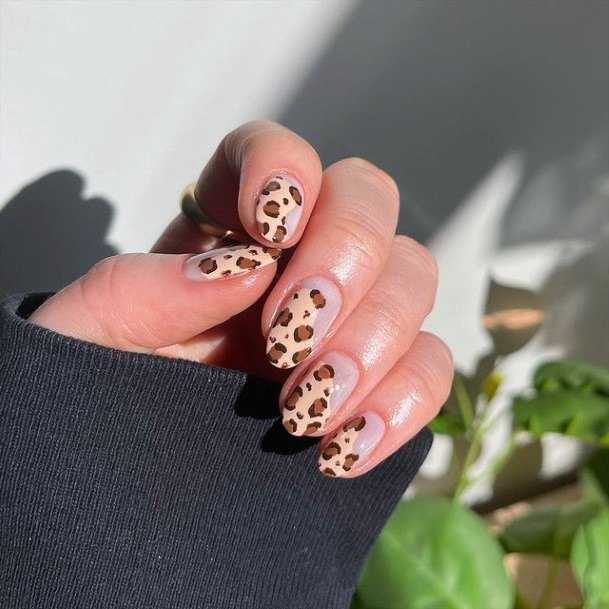 Womens Light Brown Leopard Nails