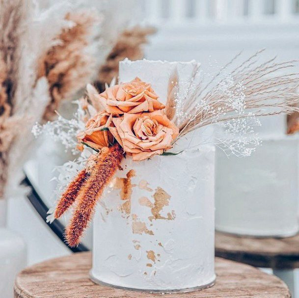 Womens Lovely Fall Wedding Cakes