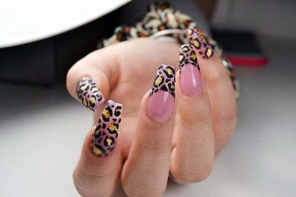 Womens Lovely Leopard Nails Pink