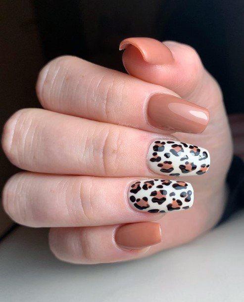 Womens Milk Chocolate Nails Leopard Print