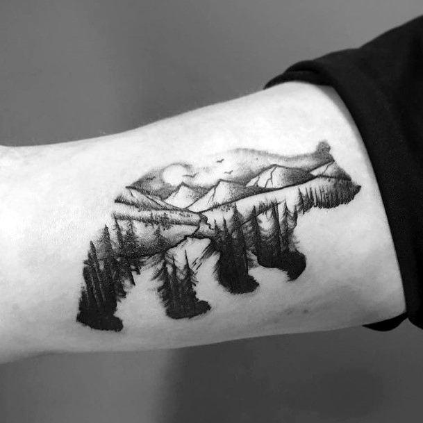 Womens Pine Forest In Bear Art Tattoo Hands