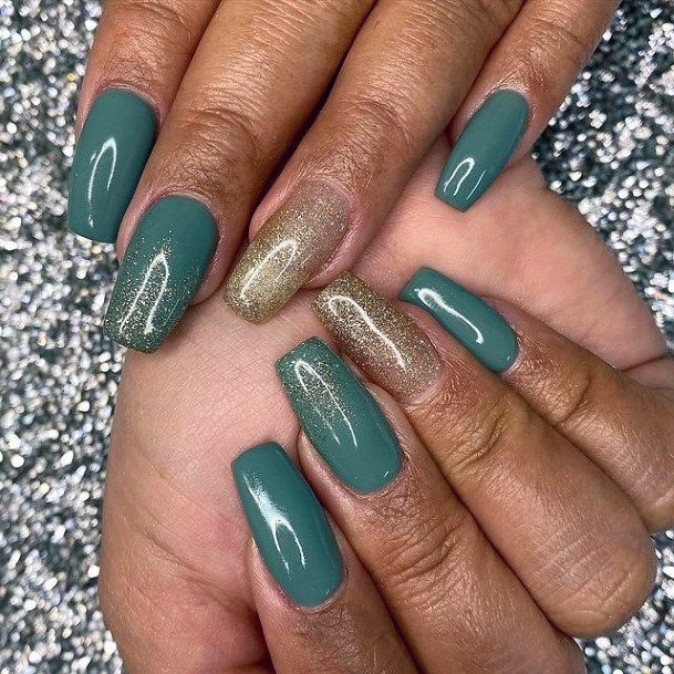 Womens Solid Teal Green Nails With Gold