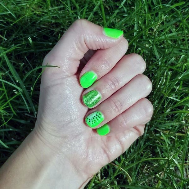 Womens Vivid Kiwi Nails Short