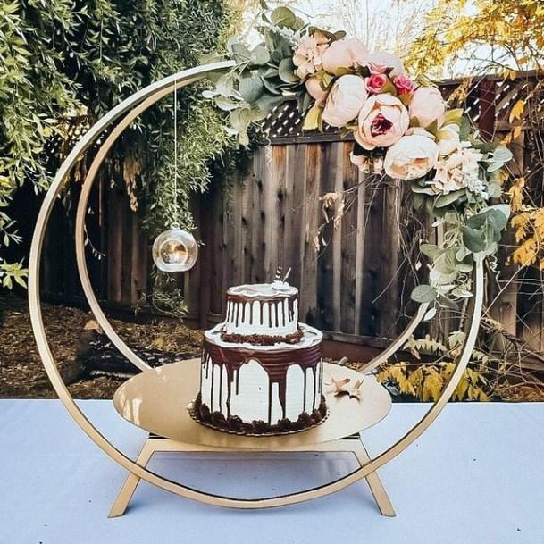 Womens Wedding Circle Shaped Cake Stand