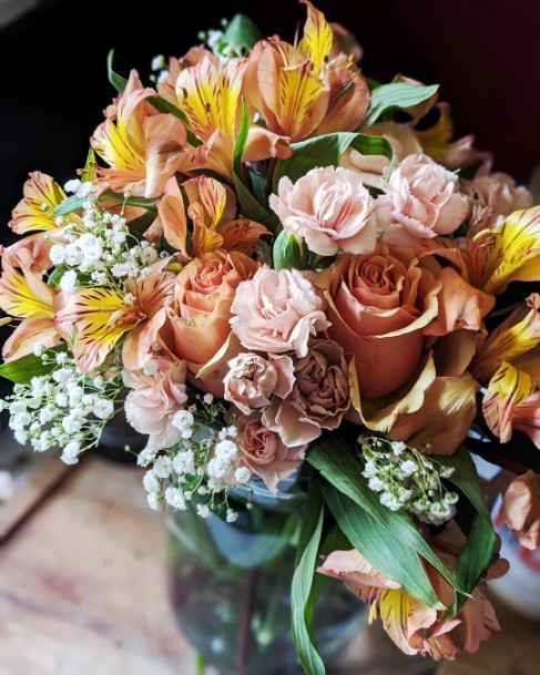 Yellow Lilies Blush Roses Sweet Bouquet Fall Wedding Ideas